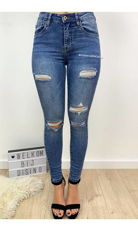 QUEEN HEARTS JEANS - BLUE - DISTRESSED SKINNY MEDIUM HIGH WAIST - 9526