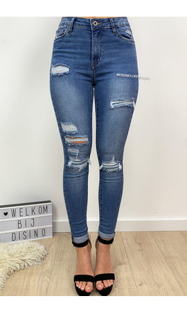 QUEEN HEARTS JEANS - LIGHT BLUE - RIPPED SKINNY JEANS ROLL UP - 612