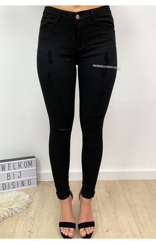 HELLO MISS - BLACK - DISTRESSED SUPER STRETCH SKINNY JEANS - 555