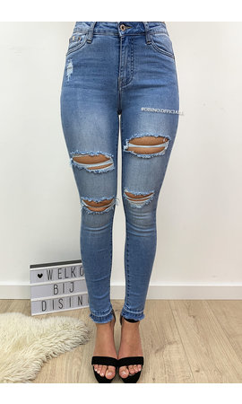 QUEEN HEARTS JEANS - LIGHT BLUE - HIGH WAIST RIPPED POCKET SKINNY JEANS - 598
