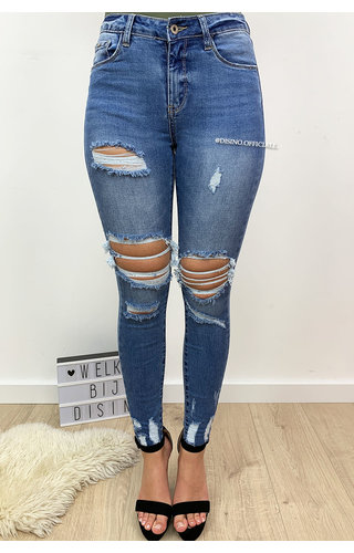 QUEEN HEARTS JEANS - LIGHT BLUE - HIGH WAIST RIPPED FRAY HEM - 599