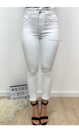QUEEN HEARTS JEANS - WHITE - HIGH WAIST RUFFLE WAIST - 9376