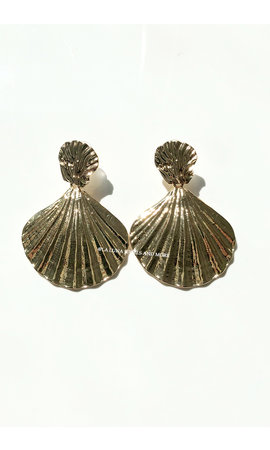 GOLD - MERMAID SHELL EARRINGS