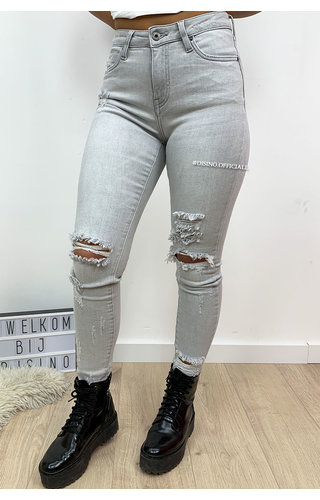 QUEEN HEARTS JEANS - LIGHT GREY - RIPPED SKINNY CROP RIPS DETAIL 9205