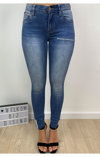 QUEEN HEARTS JEANS - LIGHT BLUE - SKINNY CROP SIDE FRAY HEM - 9546