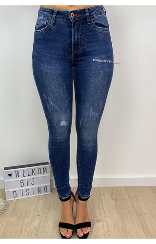QUEEN HEARTS JEANS - MEDIUM BLUE - PERFECT DISTRESSED SKINNY PUSH UP - 9515