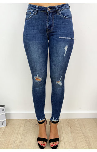QUEEN HEARTS JEANS - MEDIUM BLUE - KNEE DISTRESSED SKINNY JEANS  - 9521