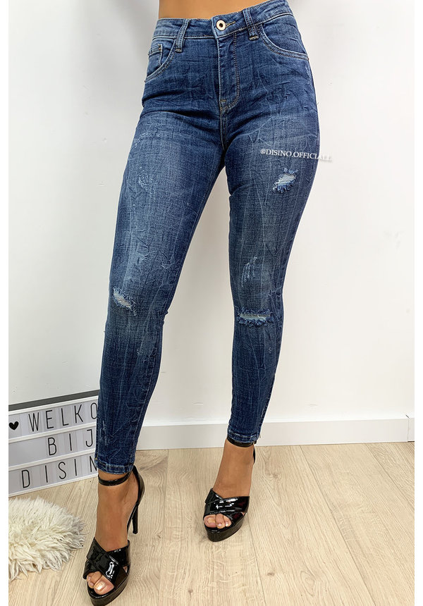QUEEN HEARTS JEANS - DARK BLUE - RIPPED KNEE ANKLE ZIP - 9251
