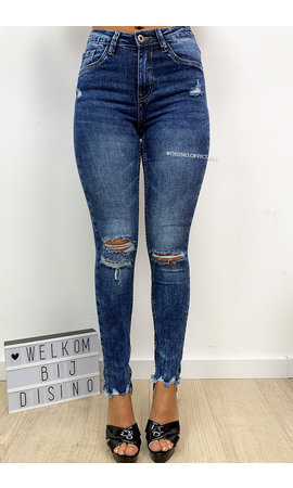 QUEEN HEARTS JEANS - BLUE - RIPPED KNEE HIGH WAIST JEANS - 661