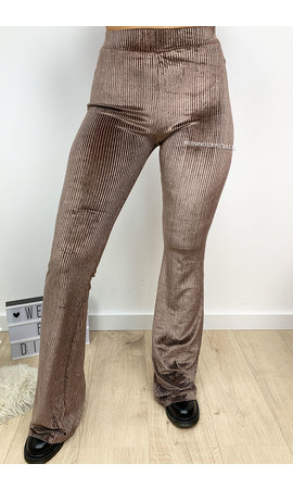 NUDE - 'AMBER' - VELVET RIBBED FLARED PANTS