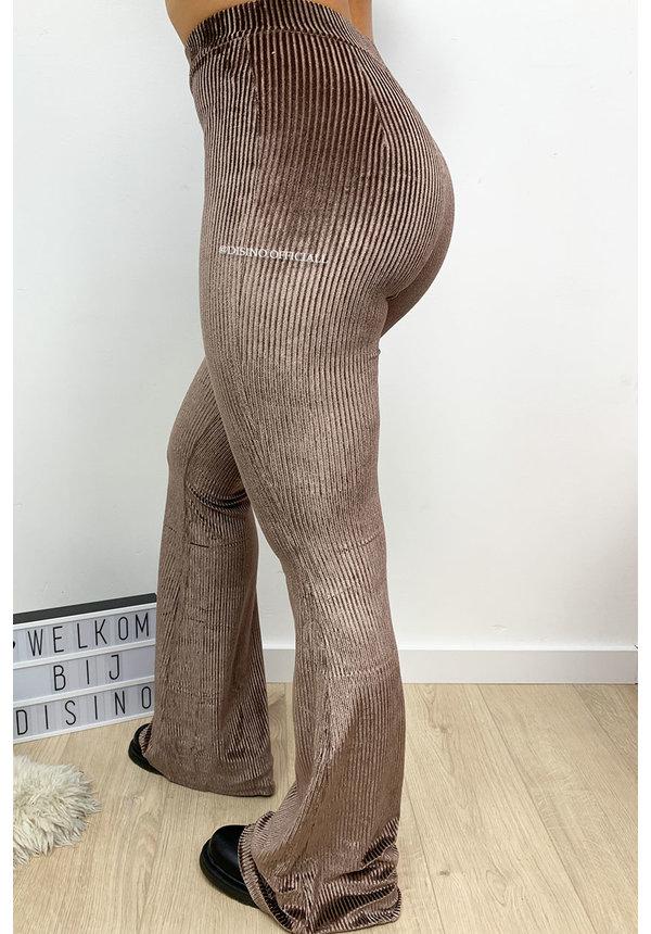 NUDE - 'AMBER' - VELVET RIBBED FLARED PANTS