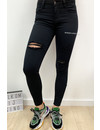 QUEEN HEARTS JEANS - BLACK - SKINNY CROP RIPPED ROLL UP - 683