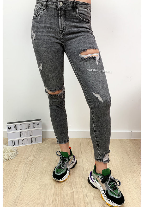 QUEEN HEARTS JEANS - GREY - HIGH WAIST DESTROYED SKINNY JEANS - 692