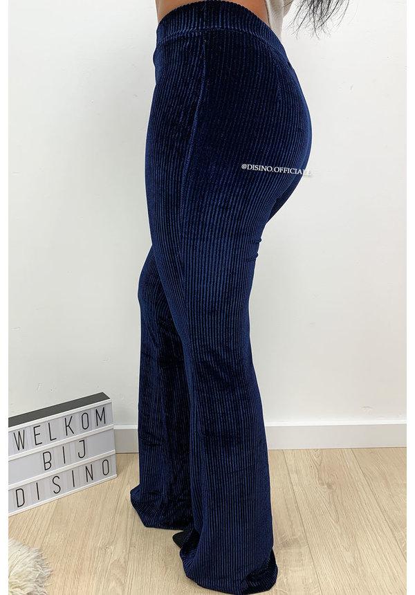 MIDNIGHT BLUE - 'AMBER' - VELVET RIBBED FLARED PANTS