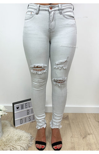 QUEEN HEARTS JEANS - LIGHT GREY - RIPPED HIGH WAIST SKINNY FRAY HEM - 673