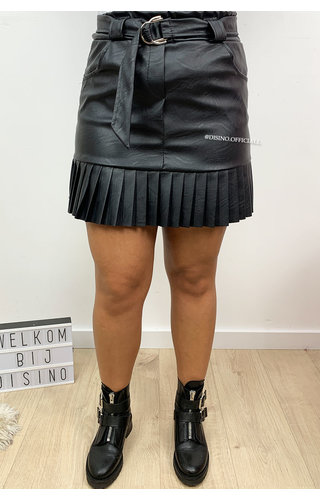 BLACK - 'ROBINN' - VEGAN LEATHER RUFFLE SKIRT