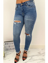 QUEEN HEARTS JEANS - BLUE - SUPER SKINNY RIPPED ROLL UP - 686