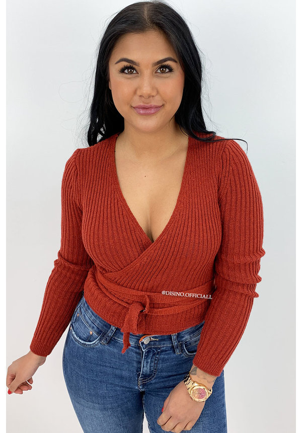 RUST - 'MILA' - SOFT TOUCH KNIT WIKKEL TOP