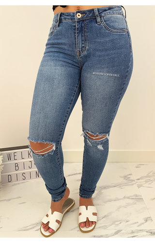 QUEEN HEARTS JEANS - BLUE - SUPER SKINNY RIPPED KNEE - 694
