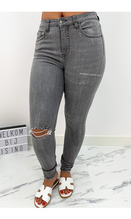 QUEEN HEARTS JEANS - LIGHT GREY - PERFECT RIPPED HIGH WAIST - 9170