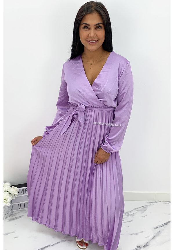 LILA - 'JASMINE' - SATIN LONG SLEEVE PLISSE MAXI DRESS