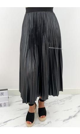 BLACK - 'VALERIA' - SATIN LOOK PLISSE MAXI SKIRT