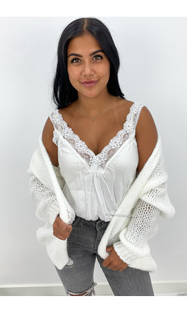 OFF WHITE - 'ADRIANA' - COZY KNITTED BALLOON VEST