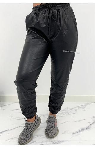 BLACK - 'TARA' - VEGAN LEATHER JOGGER PANTS