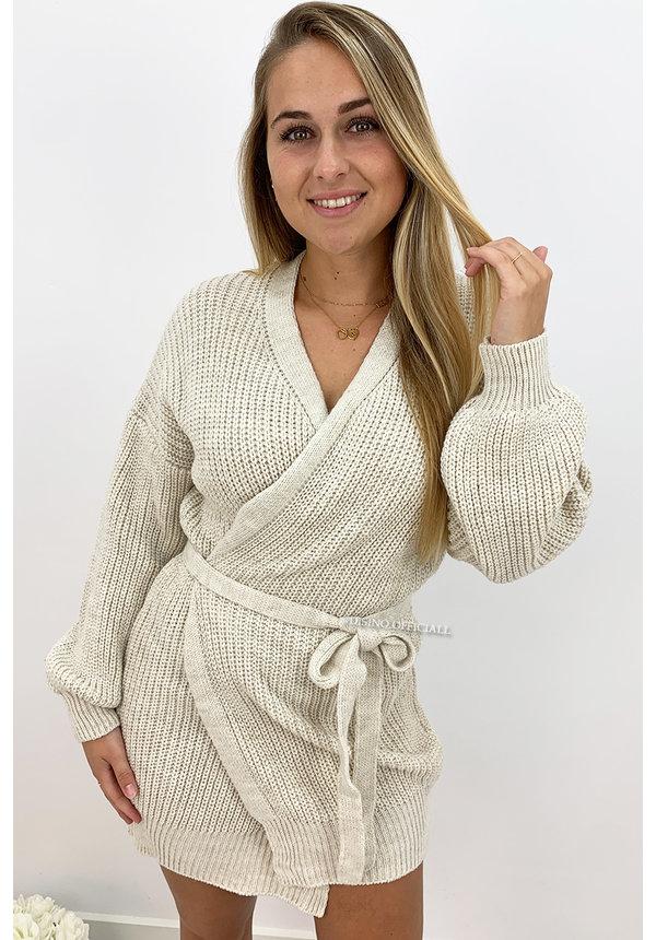 BEIGE - 'COZY DRESS' - KNITTED WIKKEL VEST DRESS