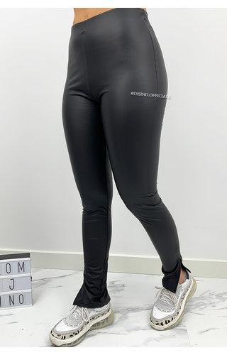 MAT BLACK - 'CINDY' - HIGH WAIST LEGGINGS WITH SIDE SPLIT