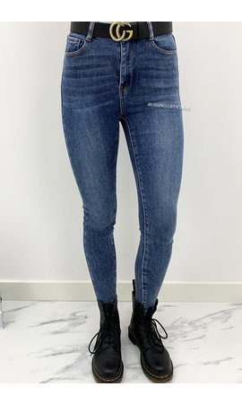 LAULIA - MEDIUM BLUE - EXTRA HIGH WAIST SKINNY JEANS - 002
