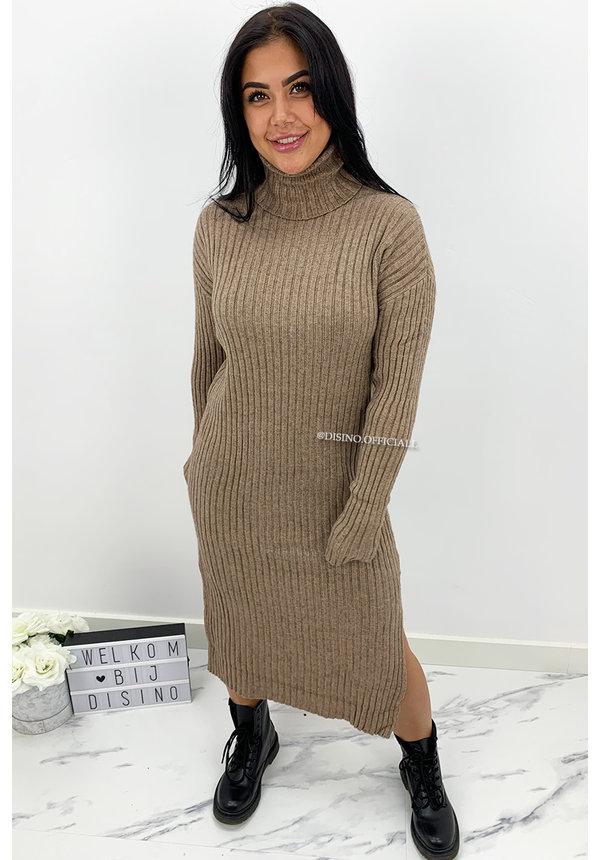 BEIGE - 'KAYA' - SUPER COMFY RIBBED SPLIT COL DRESS