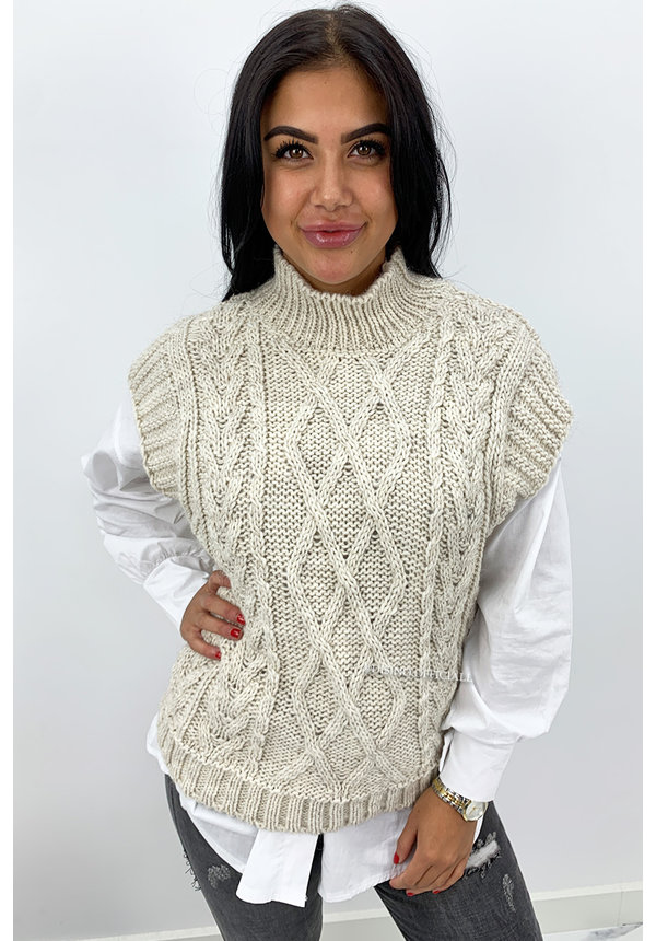 CREME - 'NAEMI' - CABLE KNIT SPENCER