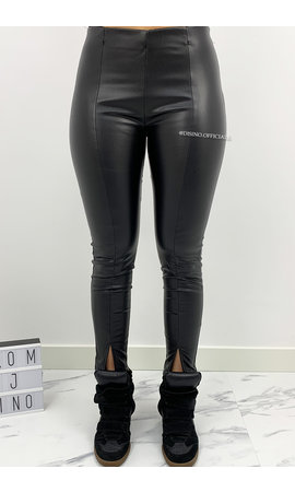 BLACK - 'ZENIA' - VEGAN LEATHER FRONT SPLIT LEGGIN PANTS