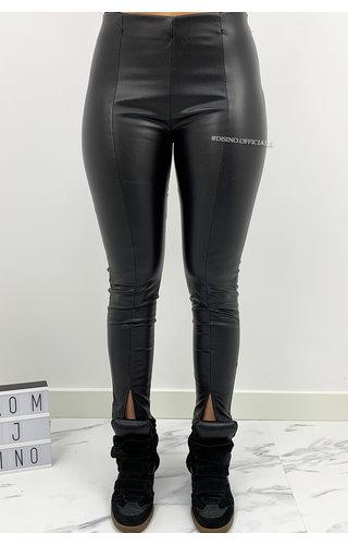 BLACK - 'ZENIA' - VEGAN LEATHER FRONT SPLIT LEGGIN PANTS