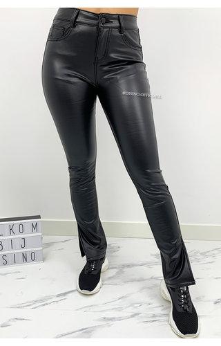 BLACK - 'RILEY SIDE SPLIT' - PU SUPER STRETCH SPLIT PANTS