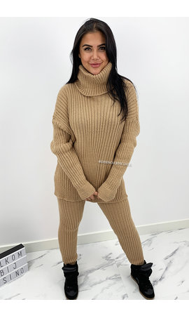 CAMEL - 'TARA' - COMFY COL KNIT TWO PIECE SET