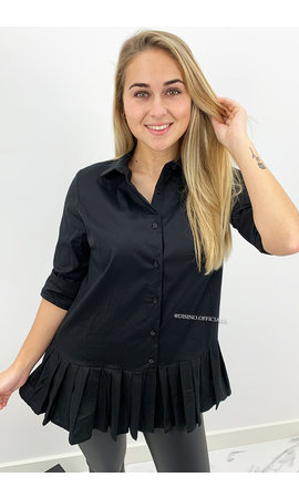 BLACK - 'ALAIA SHORT' - OVERSIZED RUFFLE BLOUSE