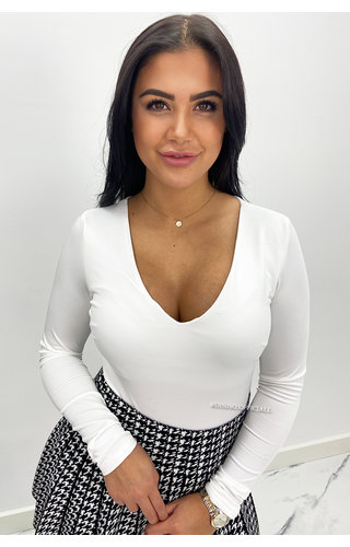 WHITE - 'NICOLE V-NECK' - PERFECT FIT LONG SLEEVE TOP