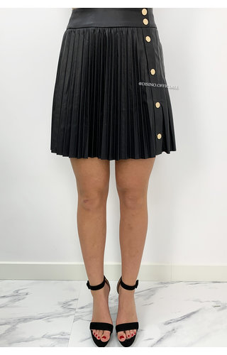 BLACK - 'WHITNEY' - VEGAN LEATHER PLISSE SKIRT