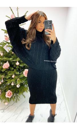 BLACK - 'SAMMIE' - KNITTED OVERSIZED CROP + DRESS SET