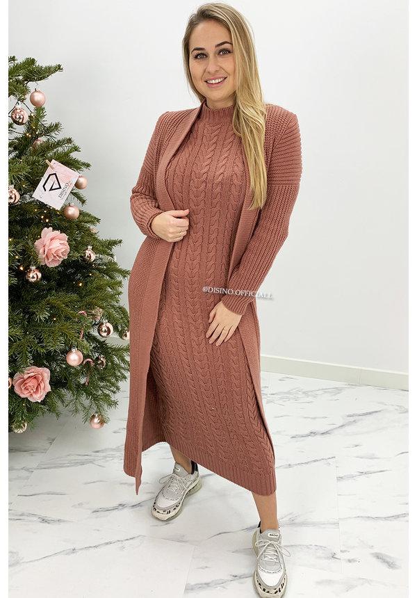 DUSTY PINK - 'LYANA' - KNITTED MAXI DRESS + VEST SET