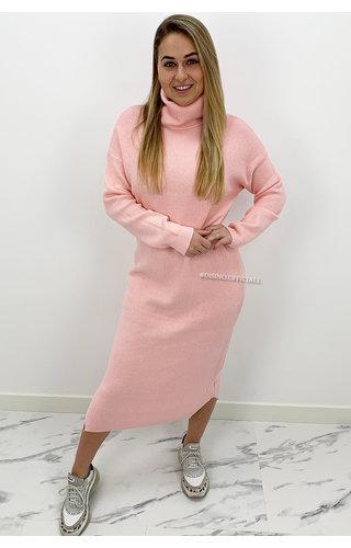 SOFT PINK - 'VANESSA' - PREMIUM MAXI KNIT COL DRESS