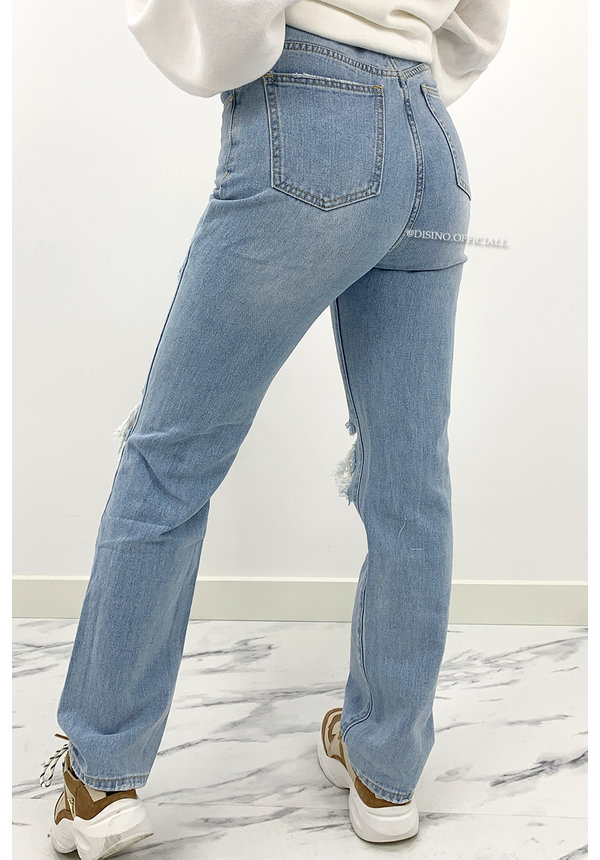 REDIAL - WHITEWASH BLUE - HIGH WAIST RIPPED KNEE BOYFRIEND JEANS
