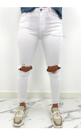 QUEEN HEARTS JEANS - WHITE - RIPPED KNEE SKINNY HIGH WAIST JEANS  - Q020