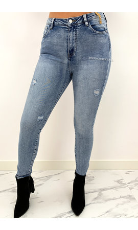 QUEEN HEARTS JEANS - LIGHT BLUE - PERFECT HIGH WAIST JEANS - 911