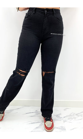 QUEEN HEART JEANS - BLACK - SUPER STRETCH RIPPED KNEE BOYFRIEND JEANS - 833