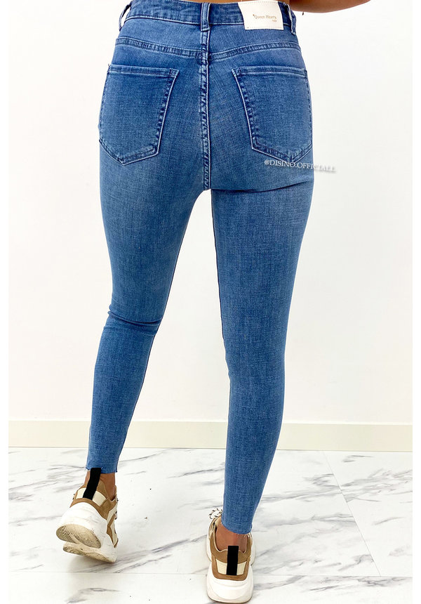 QUEEN HEARTS JEANS - BLUE - PERFECT FIT DESTROYED HIGH WAIST - 066
