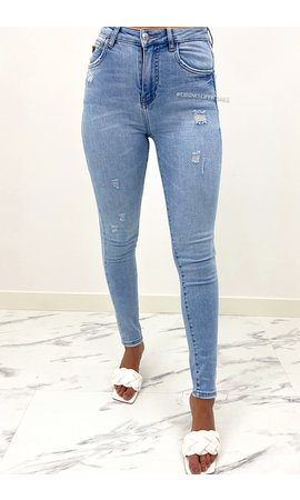 QUEEN HEARTS JEANS - LIGHT BLUE - PERFECT HIGH WAIST JEANS - 907