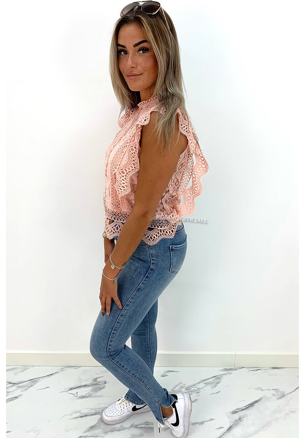 SOFT PINK - 'SELIN' - CROCHET LACE WING TOP